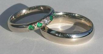 Wedding Band with 3mm emeralds and V10 diamond on 5mm X 2mm band